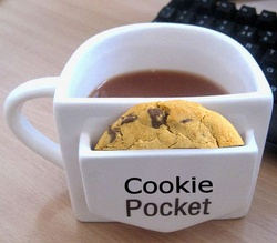 tea cup - biscuit holder