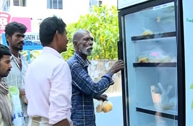 public-street-fridge-for-homeless-india